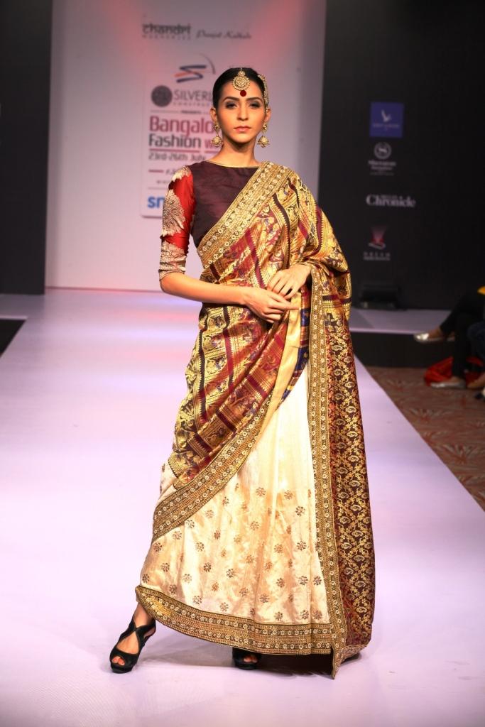 Chandri Mkherjee 's Collection  (16)
