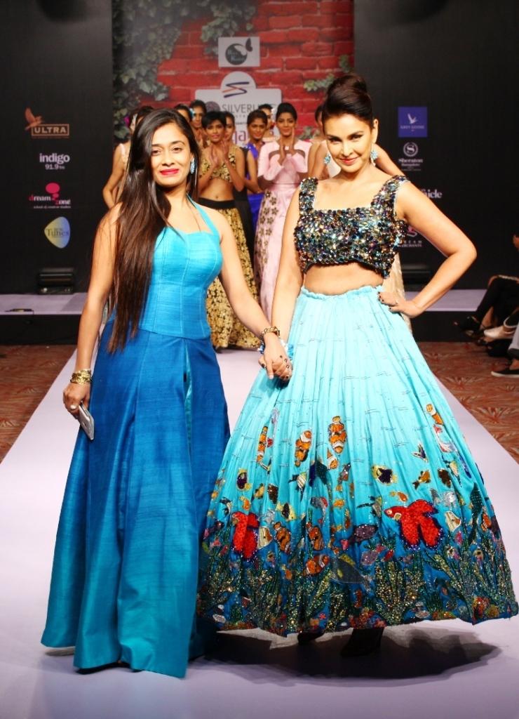 Riya Kodali collection with Show Stopper Lisa Ray